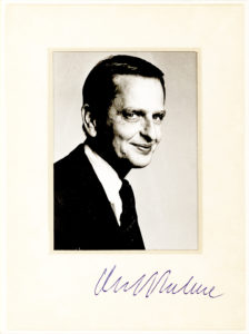30640Uncommon Signed Photograph by the Assassinated Swedish Prime Minister