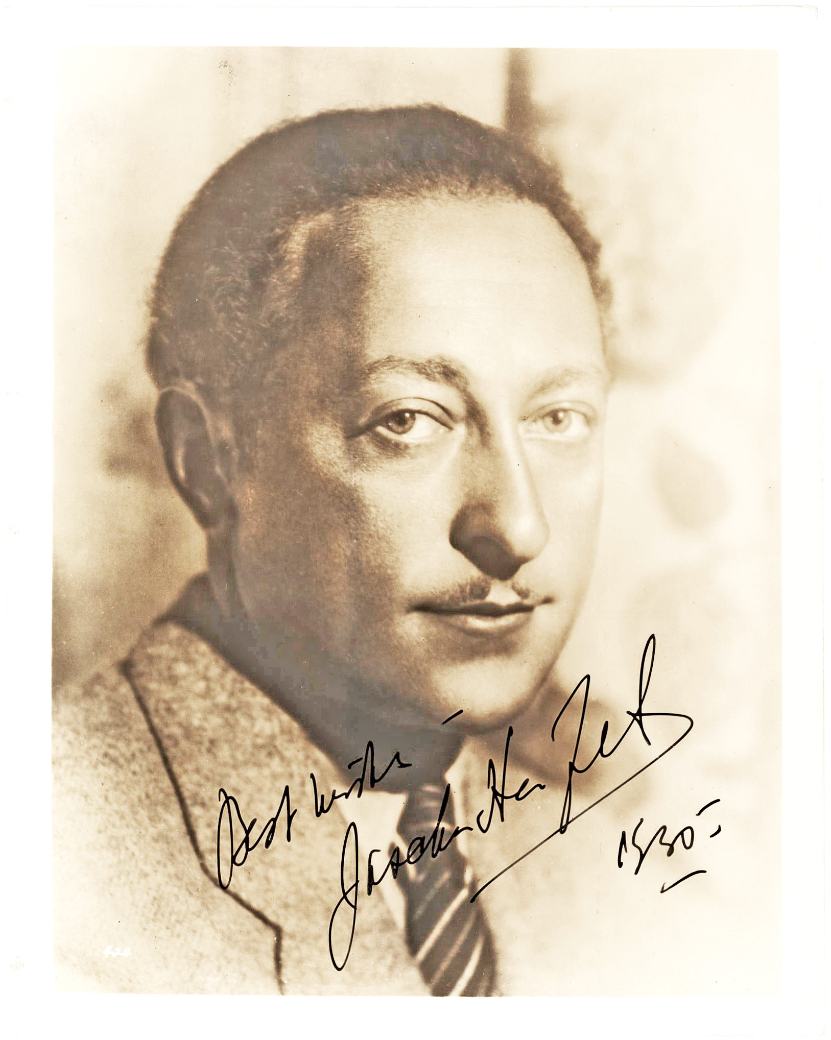 Stunning Signed Image of the Celebrated Russian-Born, American Violinist